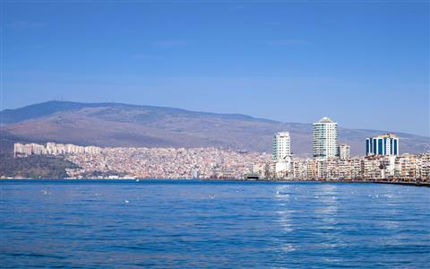 10 Tips for Foreigners to Live in Izmir