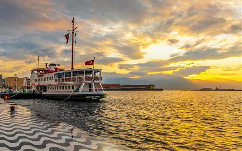 Explore Izmir in 24 Hours
