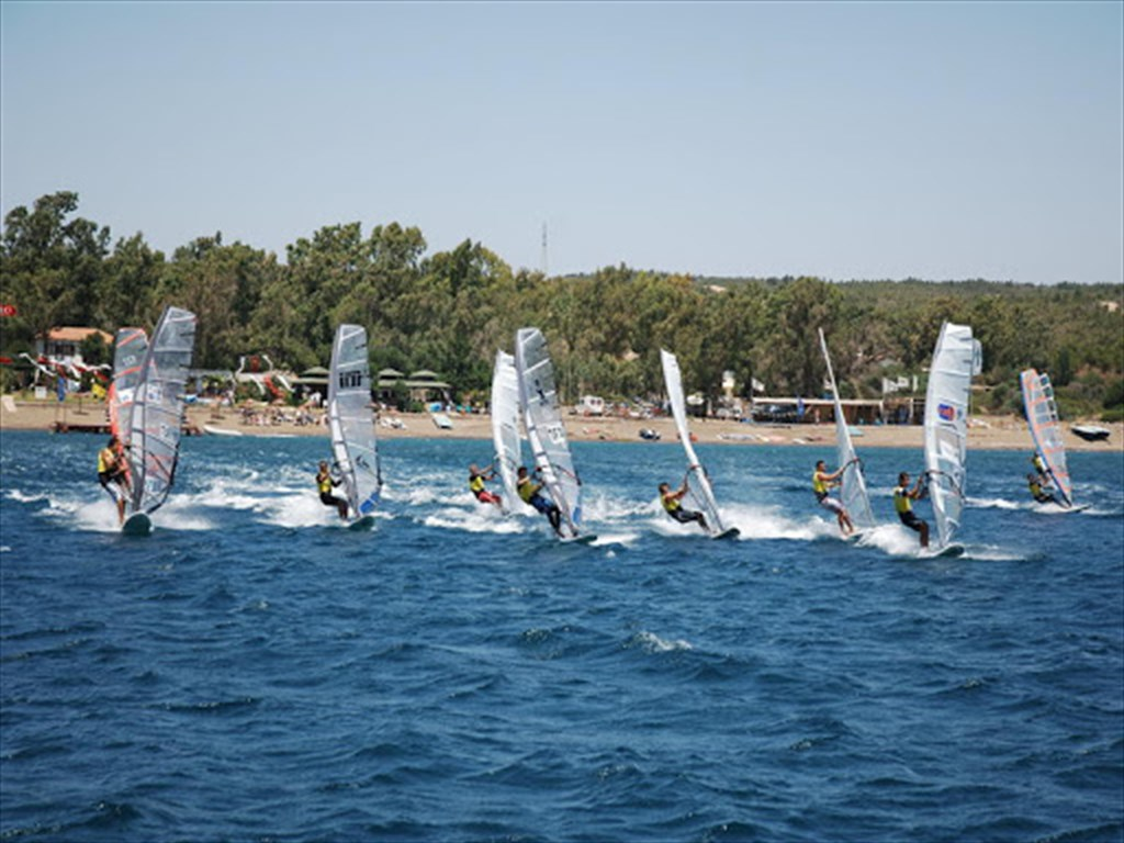 Akarca Windsurf Center