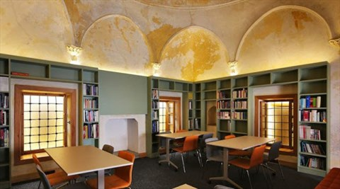 TB House: Urla Design Library & Faruk Tabak Reading Room fotoğrafı